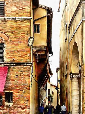 Photograph - Squeezing Through In Pienza by Dorothy Berry-Lound