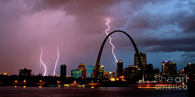 Photograph - St Louis Thunderstorm by Garry McMichael