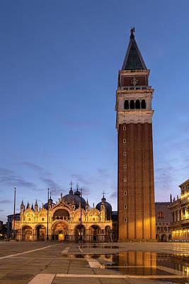 Photograph - St Marks Square, Venice by Susan Leonard