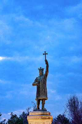 Photograph - Stephen The Great Monument by Fabrizio Troiani