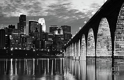 Photograph - Stone Arch Bridge Minneapolis Bw V4 by Wayne Moran