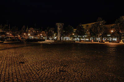 Photograph - stora torget Enkoeping #i0 by Leif Sohlman