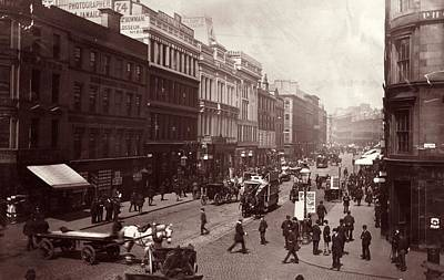 Street In Glasgow Art Print by Hulton Archive