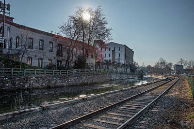 Photograph - Sunrise Along The Canal In Manayunk by Bill Cannon