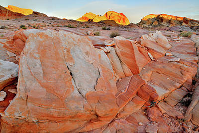 Photograph - Sunrise On Valley Of Fire State Park by Ray Mathis