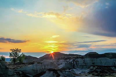 Photograph - Sunrise Over The Badlands, Dinosaur Provincial Park, Alberta, Ca by David Butler