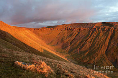 Photograph - Sunset At High Cup Nick by Gavin Dronfield