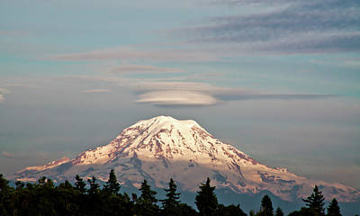 Photograph - Sunset On Mount Rainier by David Patterson