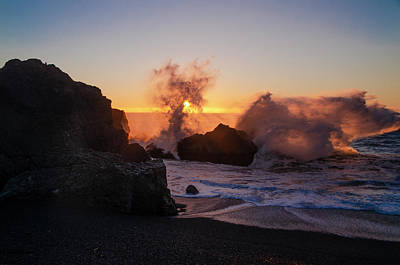 Photograph - Sunset Spray At Black Sands Beach by Bill Cannon