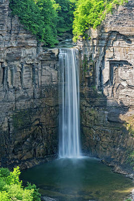 Photograph - Taughannock Falls In New York State by Jim Vallee