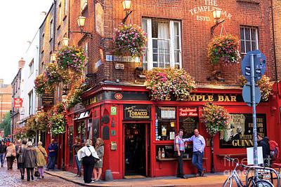 Photograph - Temple Bar Scene Dublin by John Rizzuto