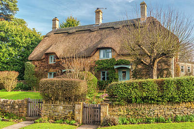 Thatched Cottage In Chipping Campden, Gloucestershire Art Print by David Ross