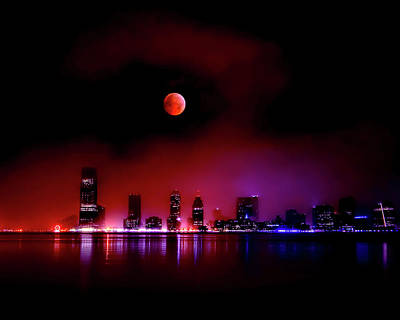 Winter Solstice Wall Art - Photograph - The 2010 Lunar Eclipse by Photography By Steve Kelley Aka Mudpig