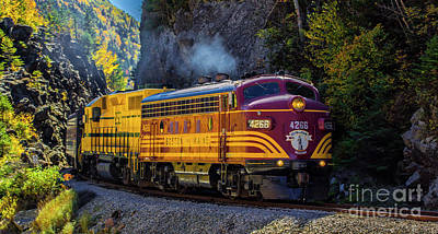 Photograph - The 4266 Coming Through The Gateway by New England Photography