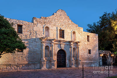 Photograph - The Alamo by Brian Jannsen