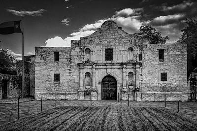 The Alamo Wall Art - Photograph - The Alamo In Black And White by Garry Gay