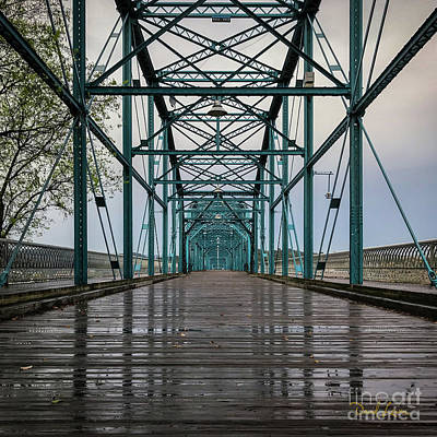 Photograph - The Bones Of Chattanooga's Walnut Street Bridge by David Levin