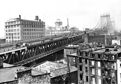 Photograph - The Brooklyn Side Of The Manhattan by New York Daily News Archive