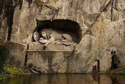 Photograph - The Fallen Hero Full Scene by Liran Eisenberg