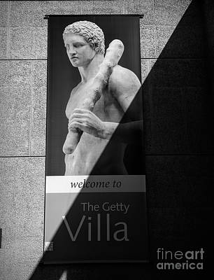 Photograph - The Getty Villa Bw Welcome  by Chuck Kuhn