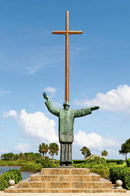 Photograph - The Great Cross Saint Augustine Florida  -  Greatcrossstaugustine122970 by Frank J Benz