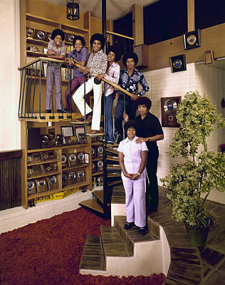 Photograph - The Jackson Five & Their Parents by John Olson