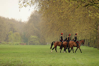 Hyde Park Wall Art - Photograph - The Kings Troop Royal Horse Artillery by Oli Scarff