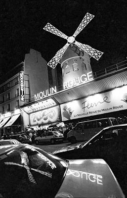 Photograph - The Moulin Rouge In Paris, France - by Elise Hardy