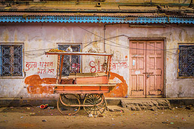 Photograph - The Old Cart Jaipur by Gary Gillette