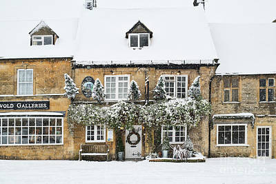 Photograph - The Queens Head Inn Stow On The Wold by Tim Gainey