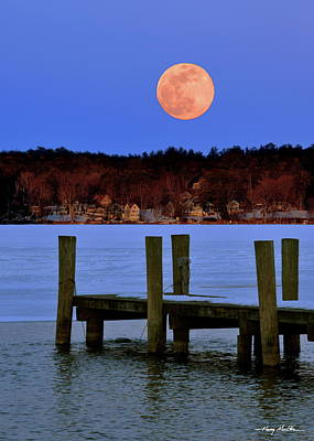 Photograph - The Rising Super Moon by Harry Moulton