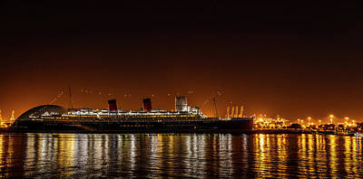 Photograph - The Rms Queen Mary by Gene Parks