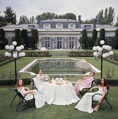 Photograph - The Romanones by Slim Aarons