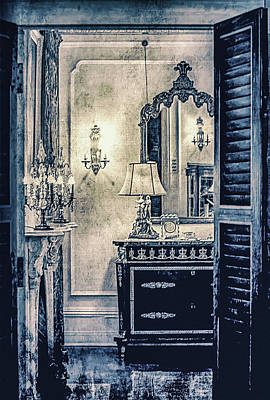 Photograph - The Room In The Mansion by Julie Palencia