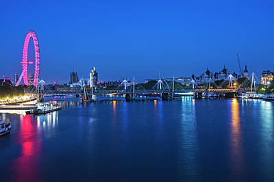 Photograph - The Thames River At Night London Uk by Toby McGuire
