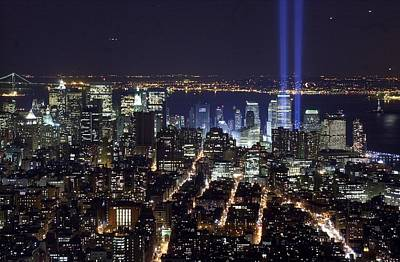 Photograph - The Tribute In Light - Two Tall Shafts by New York Daily News Archive