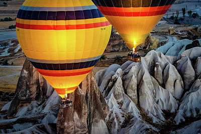Photograph - The Yellow Balloons by Francisco Gomez