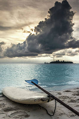 Oar Photograph - Tiger Island Surf by Alexander Ipfelkofer