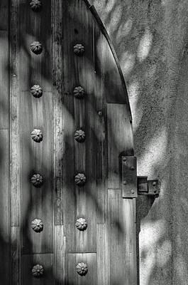 Photograph - Tlaquepaque Door 8455-101917-3cr-bw by Tam Ryan