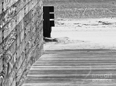 Photograph - To The Beach by Robert Knight