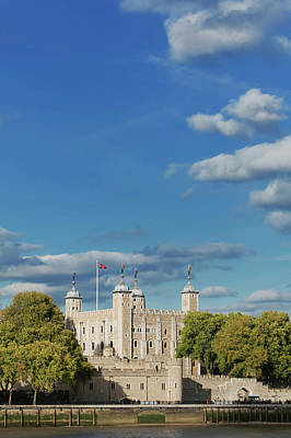 Break Of Day Photograph - Tower Of London, London, Uk by Marco Simoni