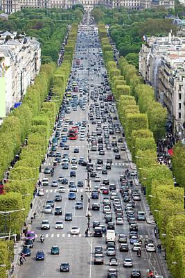 Arc De Triomphe Du Carrousel Wall Art - Photograph - Traffic On Avenue Des Champs Eysees by B&m Noskowski