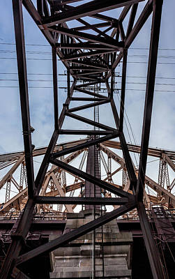 Photograph - Tramway Pylon And 59th Street Bridge by Robert Ullmann