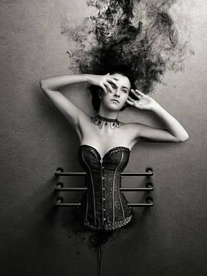 Di Kaye Art Deco Fashion - Trapped by Johan Swanepoel