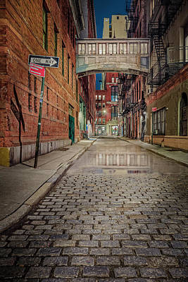 Photograph - Tribeca's Nyc Skybridge by Susan Candelario