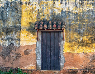 Photograph - Trinidad Door by Tom Singleton