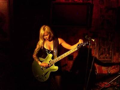 Photograph - Trisha Lurie Performs In Los Angeles by Jim Steinfeldt