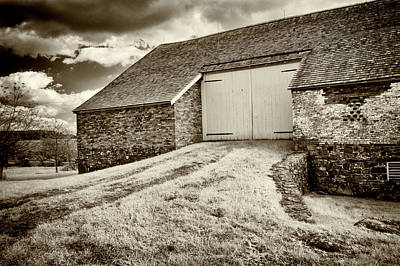 Photograph - Trostle Barn - Back Door by Paul W Faust - Impressions of Light