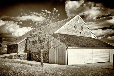 Photograph - Trostle Barn With Cannon Ball Hole by Paul W Faust - Impressions of Light