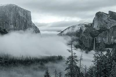 Photograph - Tunnel View Bw by Jonathan Nguyen